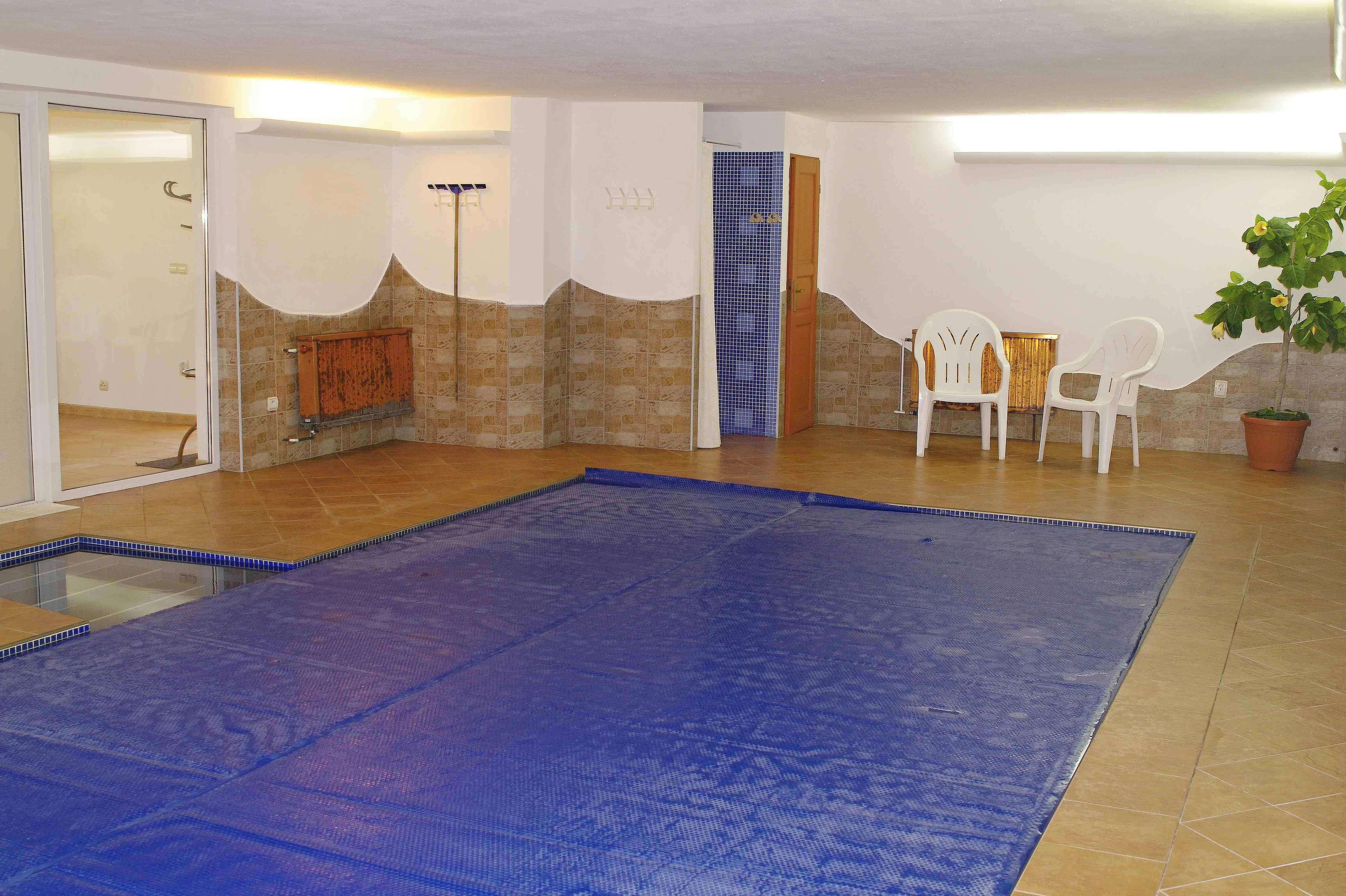 Chalupa pro 8 osob-interiérový bazén